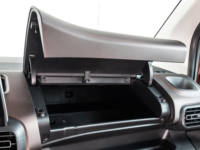 /image/09/4/peugeot-rifter-upper-glove-compartment.459094.jpg