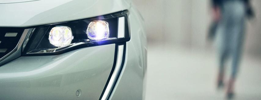 Peugeot 508 HYBRID - Fjernstyr funktioner på bilen