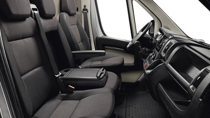 /image/28/0/peugeot-boxer-photo-interior-3-1920.67280.jpg