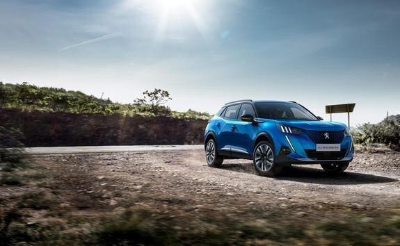 Peugeot e-2008 SUV: En kompakt, kraftfuld, dynamisk og effeltiv elektrisk SUV