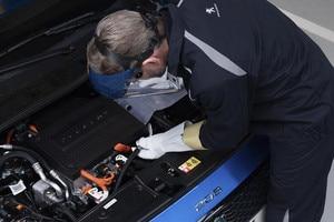 Peugeot 208 værksted