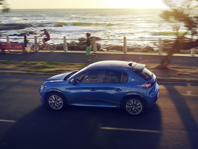 Ny Peugeot 208 - Panoramasoltag