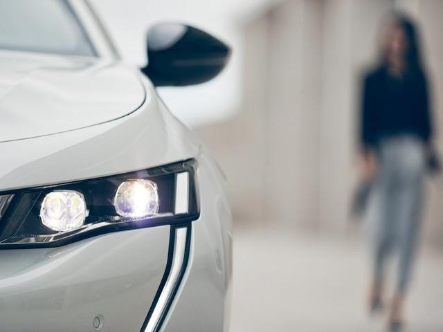 Peugeot forhandler