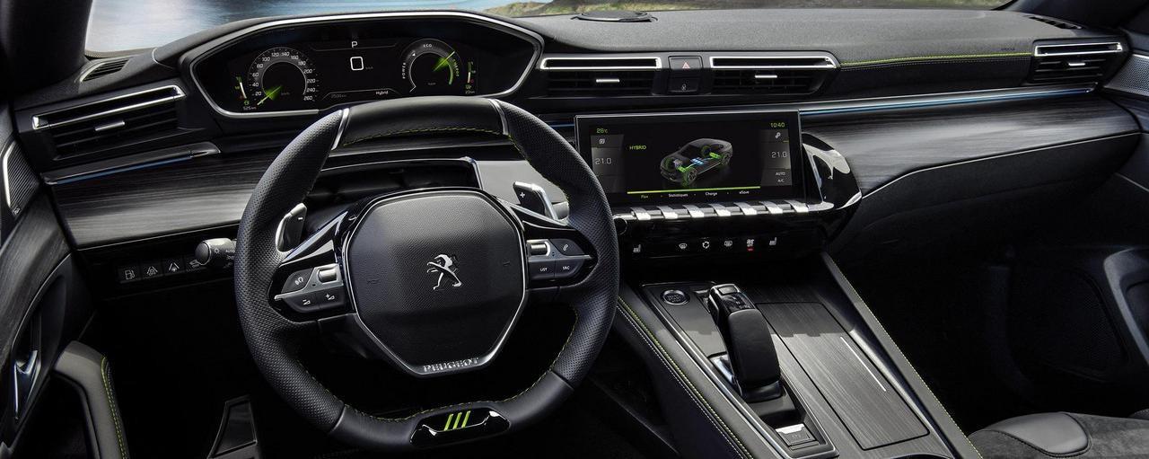 Med Peugeot i-Cockpit® styrkes din køreglæde yderligere