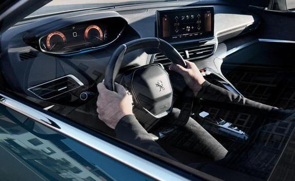 Peugeot 5008 SUV med ny instrumentgruppe og kabinekomfort