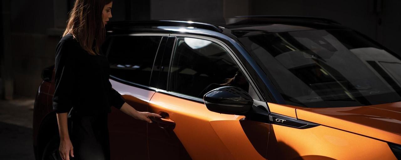 Peugeot 2008 SUV: Online tjenester