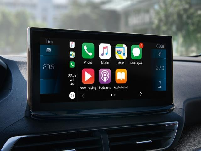 Peugeot 5008 SUV apple carplay