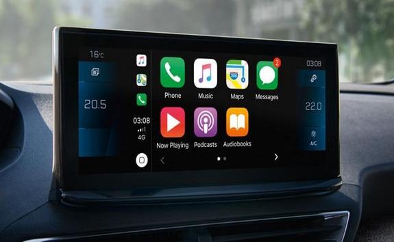 Peugeot 5008 SUV apple carplay