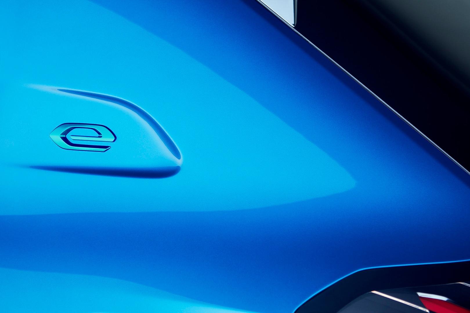 Ny Peugeot e-208 - e-emblem