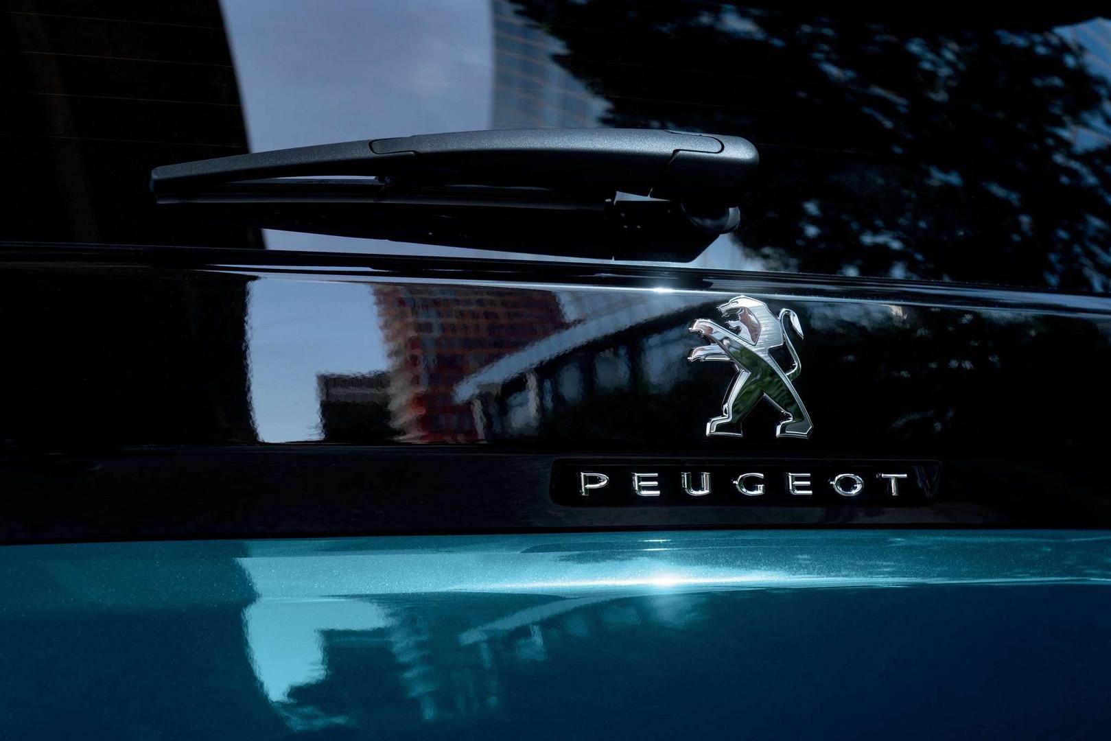 PEUGEOT_5008_2020_236_FR