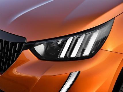 Peugeot 2008 SUV: Full LED forlygter med tre løvekløer