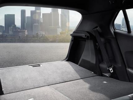 Peugeot 2008 SUV: Stort modulopbygget og funktionelt bagagerum